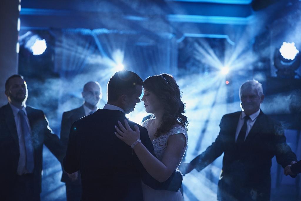 światła na weselu
