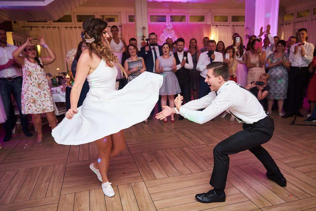 szalony pierwszy taniec młodej pary warszawa